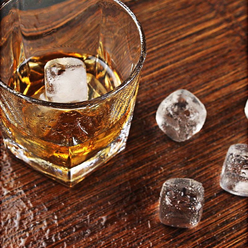 Natural Rock Quartz Whiskey Stones Crystal Whisky Bar Ice Stone Set